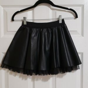 NWOT Forever 21 Girls PU leather skirt size 9/10